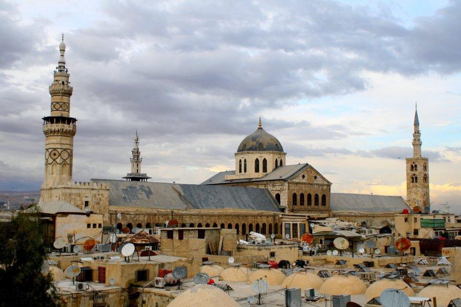 من دمشق إلى أصفهان